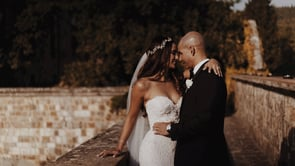 Bianca + Niko: A glamorous castle wedding in black and gold