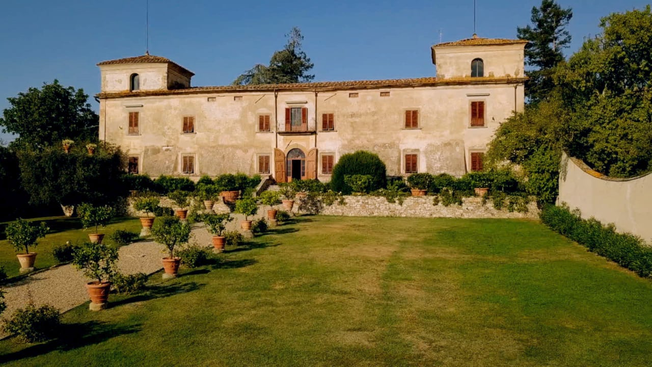A Multicultural Jewish Wedding at Villa Medicea di Lilliano, Tuscany