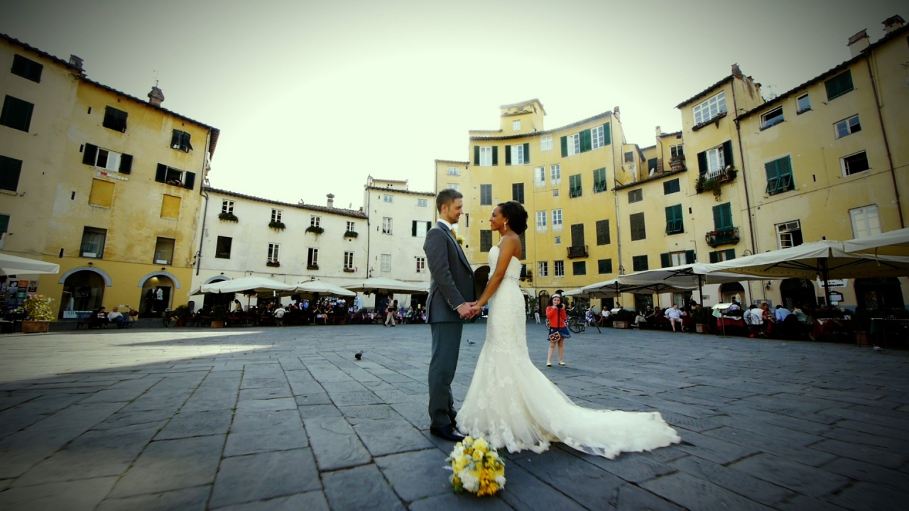 A Grey & Yellow Themed Destination Wedding in the Tuscan Countryside